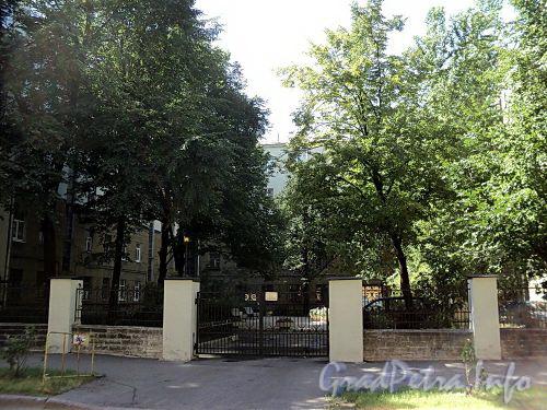 Тверская ул., д. 16. Курдонер. Вид со Ставропольской улицы. Фото август 2010 г.