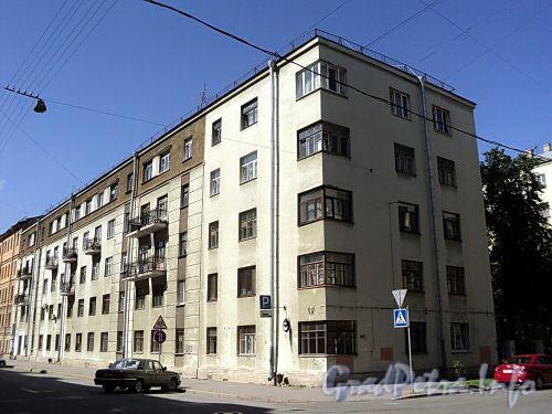 Тверская ул., д. 16. Общий вид лицевого корпуса. Фото август 2010 г.