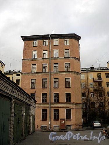 Тверская ул., д. 25. Вид со двора. Фото октябрь 2010 г.