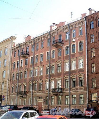 Тверская ул., д. 27-29. Фасад здания. Фото август 2010 г.