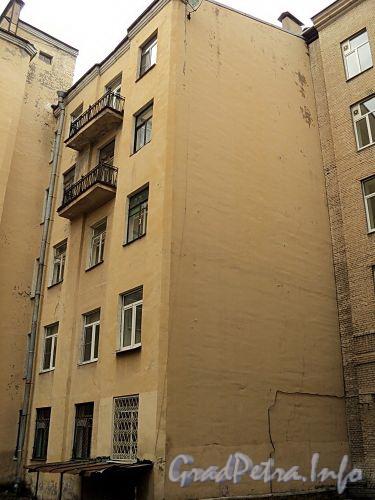 Тверская ул., д. 27-29. Вид со двора. Фото октябрь 2010 г.