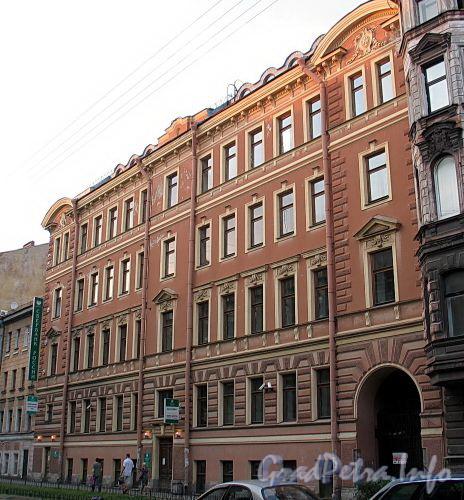 Верейская ул., д. 16. Фасад здания. Фото август 2010 г.