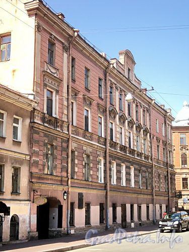 Гагаринская ул., д. 11 / ул. Оружейника Федорова, д. 17. Фасад по Гагаринской улице. Фото август 2010 г.