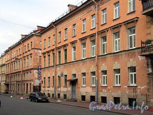 Гагаринская ул., д. 12. Общий вид. Фото сентябрь 2010 г.