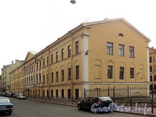 Гагаринская ул., д. 21. Старый корпус 3-й гимназии (школы № 181 Центрального района). Общий вид. Фото сентябрь 2010 г.