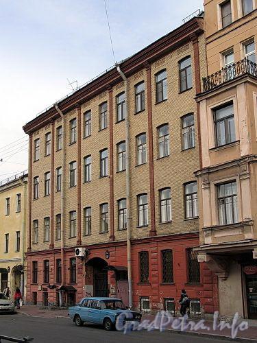 Гагаринская ул., д. 26. Фасад здания. Фото сентябрь 2010 г.