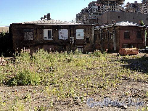 Территория участка левее дома № 9 по Смоленской улице. Фото июль 2010 г.