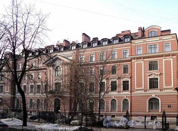 Очаковская ул. д. 6. Общий вид. Фото апрель 2011 г.