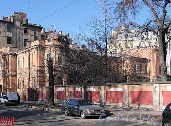Ул. Писарева, д. 12. Общий вид. Фото апрель 2011 г.