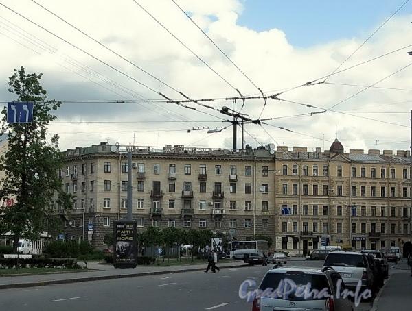 Дома 21 и 23 по улице Блохина. Вид из переулка Талалихина. Фото июнь 2009 г.