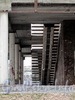 Ул. Типанова, д. 25. Здание бывшего кинотеатра «Планета». Некогда остекленный холл здания. Фото ноябрь 2011 г.