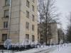 Проход от 2-ой Комсомольской улицы к улице Пограничника Горькавого. Дом 36, корп. 1 (ближний), корпус 2 (следующий). Вдали видны корпуса дома (2 и 1) дома 35 по улице Пограничника Горькавого. Фото январь 2012 г.