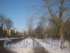 Перспектива 2-ой Комсомольской улицы от дома 20 в сторону ул. Чекистов. Проезжая часть и пешеходная дорожка зимой. Фото январь 2012 г.