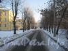 Слева - часть дома 6 корп. 2 по 2-ой Комсомольской ул. и часть дома 5 корп. 3 по ул. Пограничника Гарькавого. Проезд от 2-ой Комсомольской ул. до ул. Пограничника Гарькавого. Фото январь 2011 г.