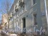2-я Комсомольская ул., дом 6, корп. 1. Вид дома со стороны 2-ой Комсомольской ул. с парадной и табличкой номера дома. Фото январь 2011 г.