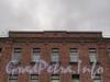 Инструментальная ул., д. 6. Фрагмент фасада. Фото сентябрь 2011 г.