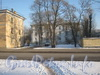 Ул. Летчика Пилютова, дом 24. Фасад со стороны ул. Лётчика Пилютова. Фото февраль 2012 г.