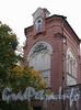Ремесленная ул., д. 6. Городок Ф. К. Сан-Галли. Водонапорная башня с жилым флигелем. Фрагмент фасада. Фото октябрь 2011 г.