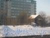 6-яжерновская ул., дом 28 (на переднем плане), на заднем плане - новый дом 19. Фото февраль 2012 г.