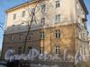 Коммуны ул., дом 58. Часть здания со стороны дома 41 корпус 2 по Ириновскому пр. Фото февраль 2012 г.