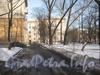 Ул. Коммуны, дом 58. Часть дома и детская площадка во дворе. Фото февраль 2012 г.