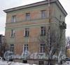 Ул. Белоусова, дом 20. Общий вид здания со стороны проезда во двор дома 19. Фото февраль 2012 г.