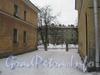 Ул. Белоусова, дом 23. Проход между домами 33 (справа) и 37 (слева) по ул. Севастопольской к дома 23 по ул. Белоусова. Фото февраль 2012 г.