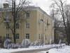 Ул. Белоусова, дом 18, корп. 1. Общий вид со стороны дома 19. Фото февраль 2012 г.