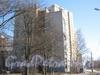 Ул. Лёни Голикова, дом 27, корпус 6 (на переднем плане) и дом 29, корпус 7 (за ним). Фото март 2012 г.