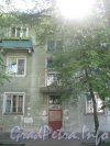 Ул. Танкиста Хрустицкого, дом 32. Парадная дома. Фото 23 мая 2012 г.