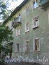 Ул. Танкиста Хрустицкого, дом 32. Общий вид дома со стороны его парадных. Фото 23 мая 2012 г.