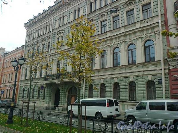Фурштатская ул., д. 17. Фасад здания. Фото ноябрь 2011 г.
