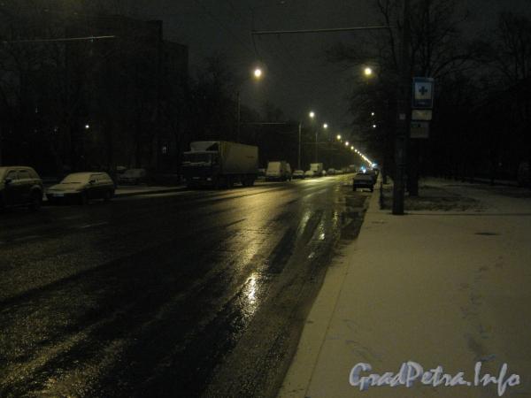 Перспектива Будапештской улицы  от дома 19 в сторону проспекта Славы ранним утром. Фото 1 января 2012 г.