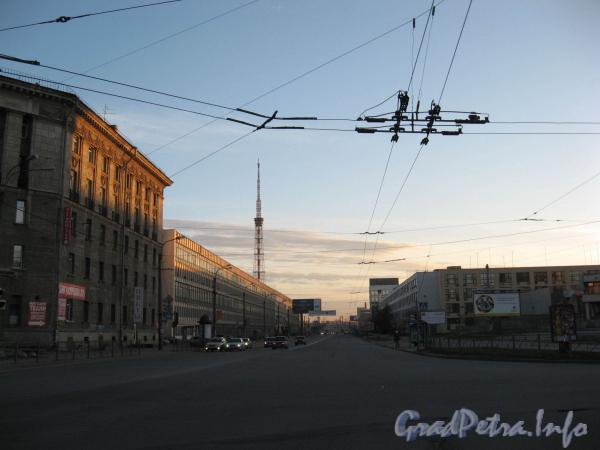 Перспектива Кантемировской ул. от площади Академика Климова в сторону Аптекарского острова. Фото апрель 2008 г.