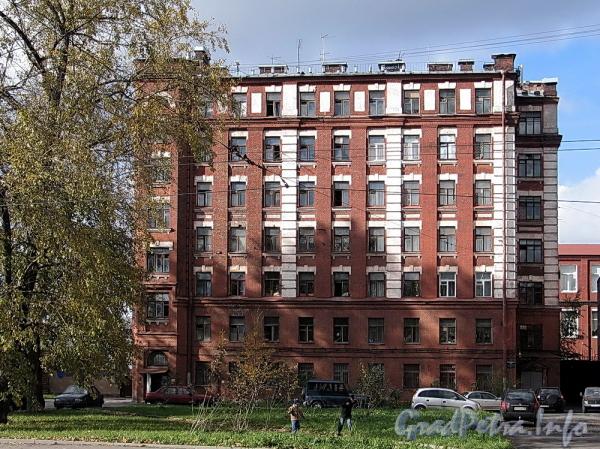 Ремесленная ул., д. 5. Фасад здания. Фото октябрь 2011 г.