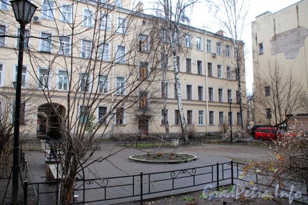 Зверинская ул., дом 7-9. Двор жилого дома. Фото 2011 г.