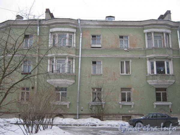Ул. Белоусова, дом 23. Общий вид со стороны дома 21. Фото февраль 2012 г.