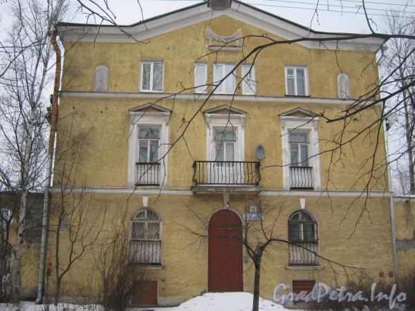 Ул. Белоусова, дом 15. Общий вид со стороны ул. Белоусова. Фото февраль 2012 г.