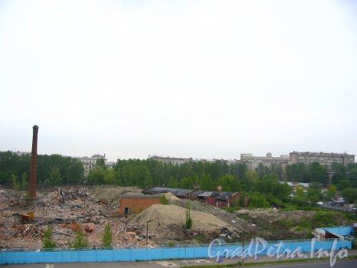 Варшавская ул.. дом 66. Территория завода «Пигмент» до строительства жилого комплекса «Граф Орлов». Фото июнь 2003 года.