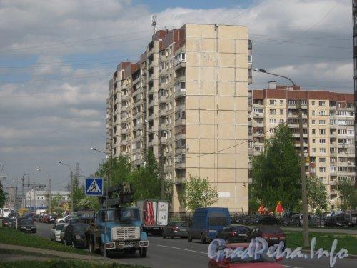 Ул. Котина, дом 7 корпус 1. Общий вид со стороны дома 6 корпус 1. Фото май 2012 г.