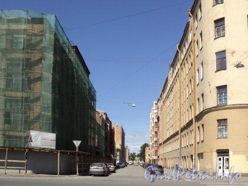 Перспектива улицы Володи Ермака от канала Грибоедова в сторону реки Пряжки. Фото июнь 2010 года.