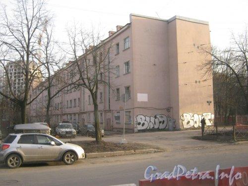 Благодатная ул., дом 57. Расселённый дом. Фото апрель 2012 г. с Благодатной ул.