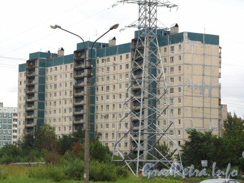 Камышовая ул., дом 22, корп. 1. Общий вид жилого дома. Фото 2 сентября 2012 года.