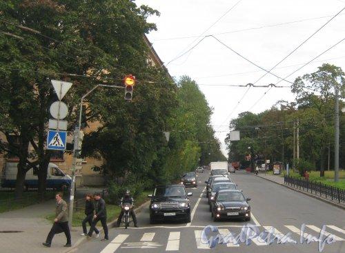 Новороссийская ул. Перспектива улицы от пр. Энгельса в сторону ул. Карбышева. Фото сентябрь 2012 г.