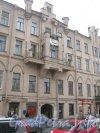 Ул. Декабристов, дом 46. Фрагмент фасада. Фото 19 октября 2012 г.