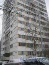 Ул. Лужская, дом 8. Угол дома со стороны фасада. Фото 30 января 2013 г.