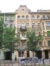 Ул. Черняховского, дом 51. Доходный дом В. Е. Романова. Общий вид со стороны фасада. Фото 14 июня 2013 г.