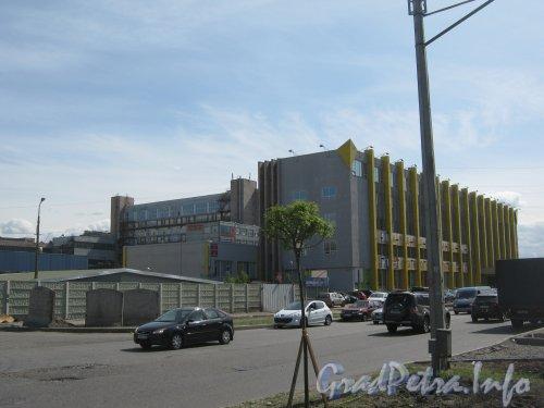 Ул. Маршала Говорова, дом 35. Общий вид с ул. Маршала Говорова напротив сада 9-января. Фото 29 мая 2012 г.