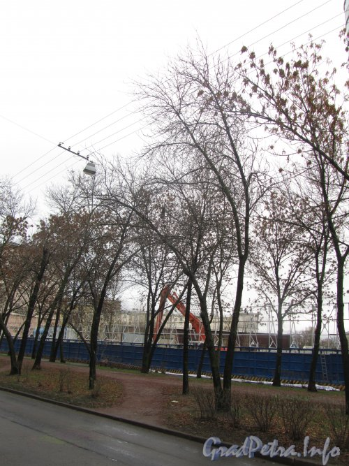 Ул. Победы, дом 5. Участок до строительства жилого дома. Фото 6 ноября 2012 г.