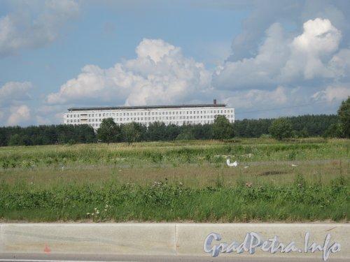 Заповедная ул., дом 57, литера Т. Общий вид с Парашютной ул. Фото 20 июля 2012 г.